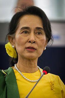 Aung San Suu Kyi le 22 octobre 2013 lors de la remise du Prix Sakharov au Parlement européen de Strasbourg.