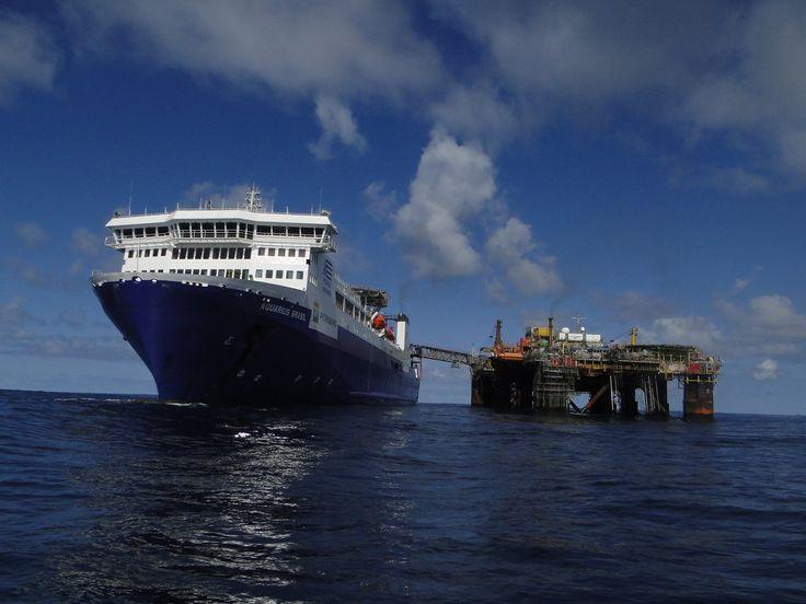 Flotel Aquarius Brasil connected to P-08 by Volfegan on DeviantArt