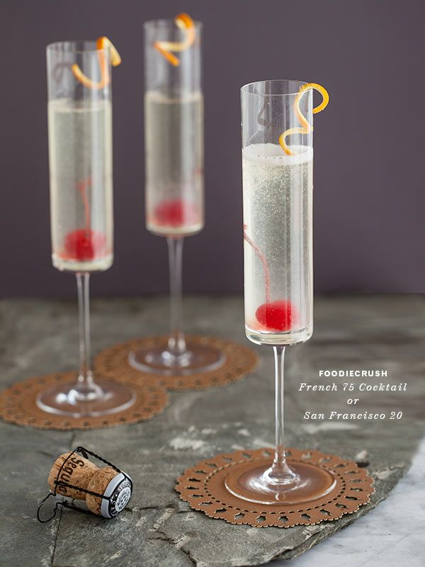 CELEBRATE WITH THE BUBBLY FRENCH 75 COCKTAIL by @Heidi Haugen Haugen | FoodieCrush