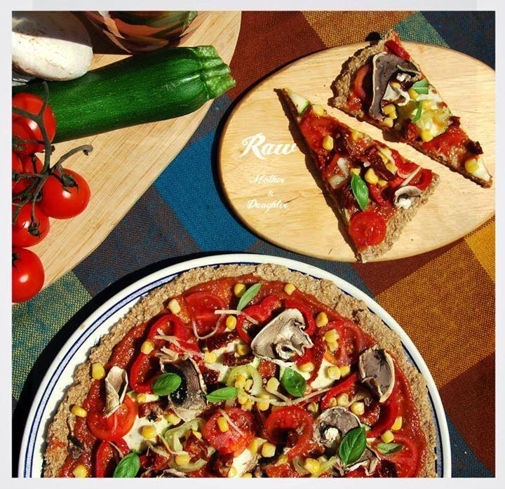 Raw vegan pizza si získala chuťové bunky mnohých z nás.