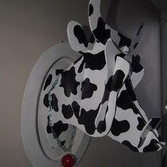 troph e mural t te de vache troph pinterest boutiques et peintures murales. Black Bedroom Furniture Sets. Home Design Ideas