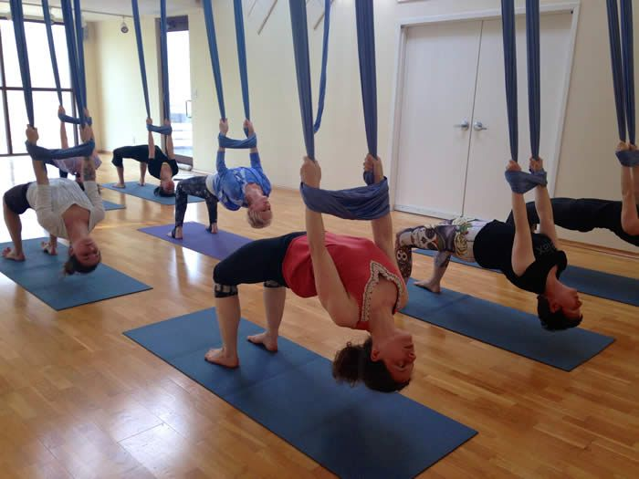 The 25+ best Aerial yoga ideas on Pinterest | Aerial yoga ...