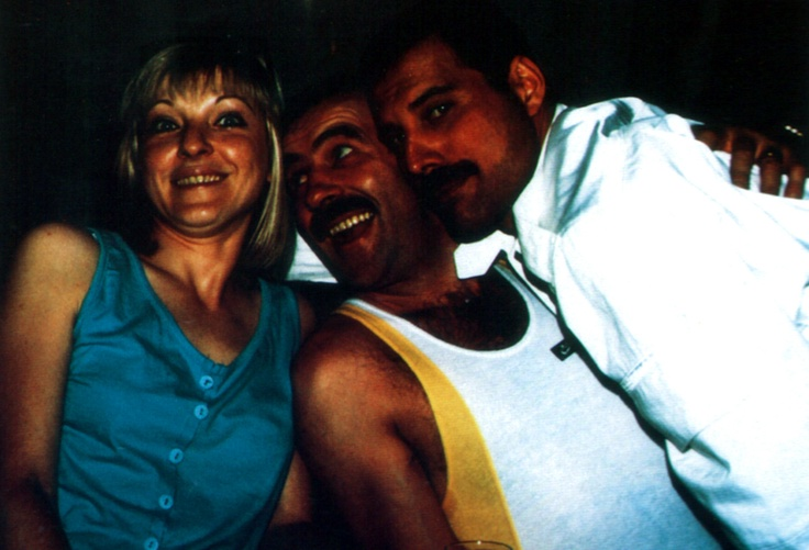 Mary Austin, Jim Hutton and Freddie Mercury. There's so much love in this picture <3