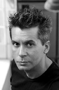 Marcelo Figueras (1962, Buenos Aires) is behalve auteur ook journalist en scenarioschrijver. De verfilming van zijn gelauwerde roman Kamtsjatka (in 2006 verschenen bij Signatuur) leverde hem in 2003 een Oscarnominatie op voor beste buitenlandse film.
