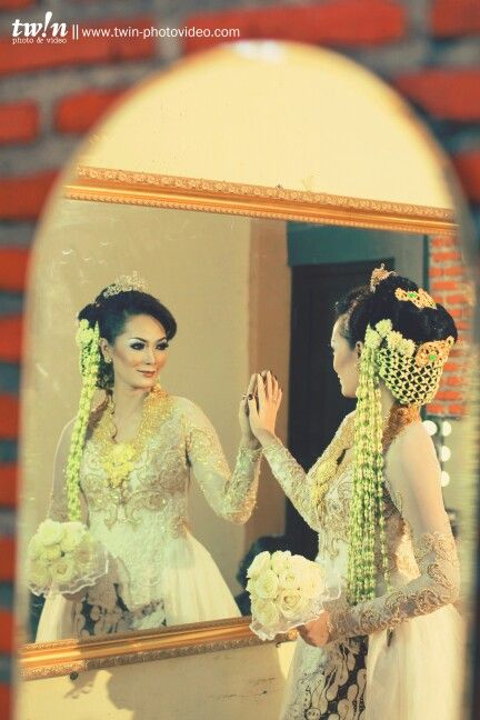 The wedding, #preparation #makeup #bride #groom  Photoby febriansyah selamat pribadi  www.twin-photovideo.com
