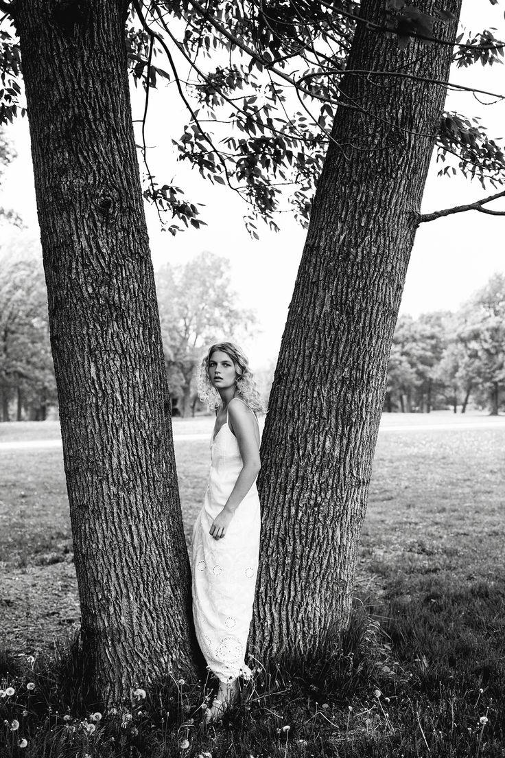natural beauty, model posing, blond model, editorial photography, editorial photoshoot, beauty photoshoot, beauty photography,   Model Julia @ Scoop Agency   Stylist Camille Lechasseur   Photographe Dariane Sanche #Blackandwhite #Fashion #editorial #beauty #fashionphotography #dssanchez