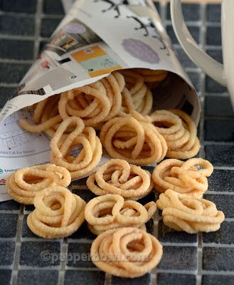 Mini Murukku is the perfect snack not only for festive seasons, but also for regular tea time snacks.