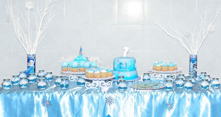 Mesa de Dulces Frozen #frozen #tortastematicas #mesasdeduces #postresyotrasdelicias