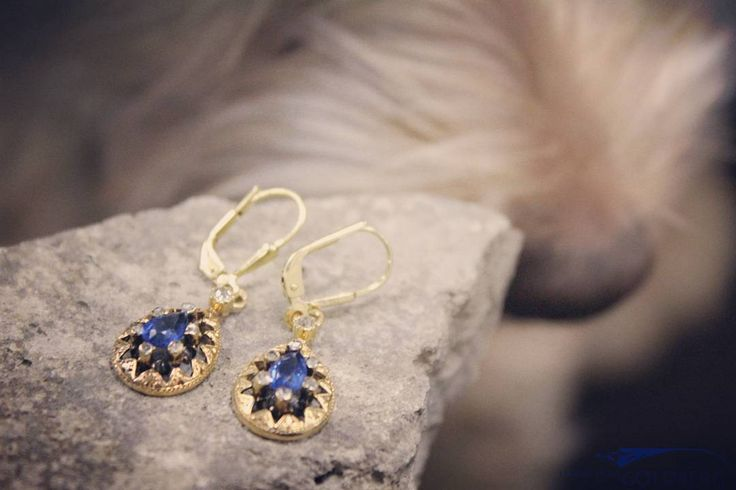 Very special antique/vintage 14 carat gold earrings with synthetic sapphire and rose cut diamond.