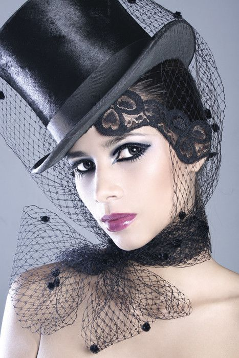 Veiled Tophat  www.tablescapesbydesign.com https://www.facebook.com/pages/Tablescapes-By-Design/129811416695