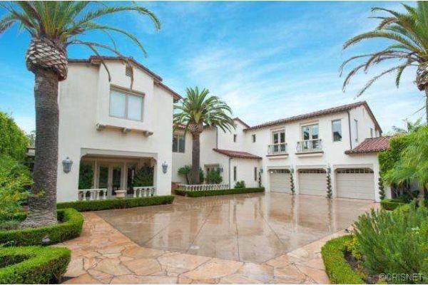 LA Lakers' Kobe Bryant Cuts Price on Newport Coast Estate Celebrity Real Estate   |  Jan 29, 2015 |  By: Roman Loyol