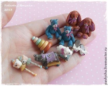 Миниатюрные Ретро-игрушки для кукольного домика. Миниатюрные ретро-игрушки сделаны по мотивам настоящих старинных игрушек, специально состарены. Размеры до 2.5 см по хоботку слоника и погремушкам, остальные около 2см. Изготовлены для кукольного домика.