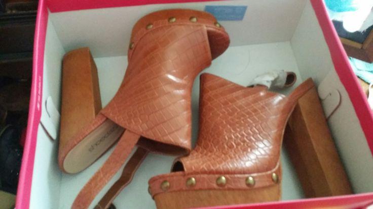 Chunky heel sandles