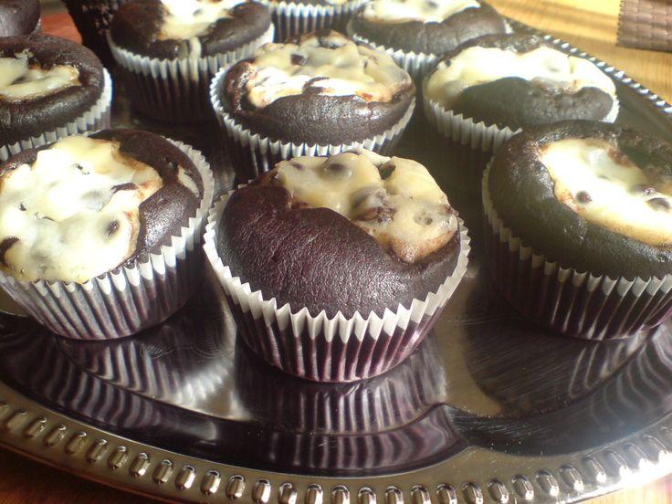 Шоколадные кексы с  творожным сыром и шоколадными каплями. Рецепт c фото, мы подскажем, как приготовить!