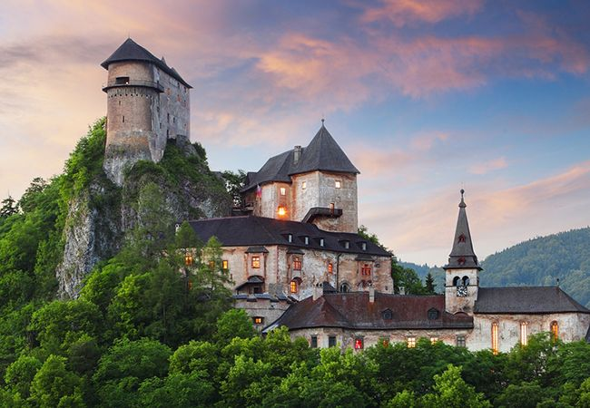 One of the biggest tourist attractions of any trip are the local castles. Most of us, especially the girls, have once dreamt of being kings or princesses at some royal court. Thus, we flock in droves to the most famous of them. But there are more castles...