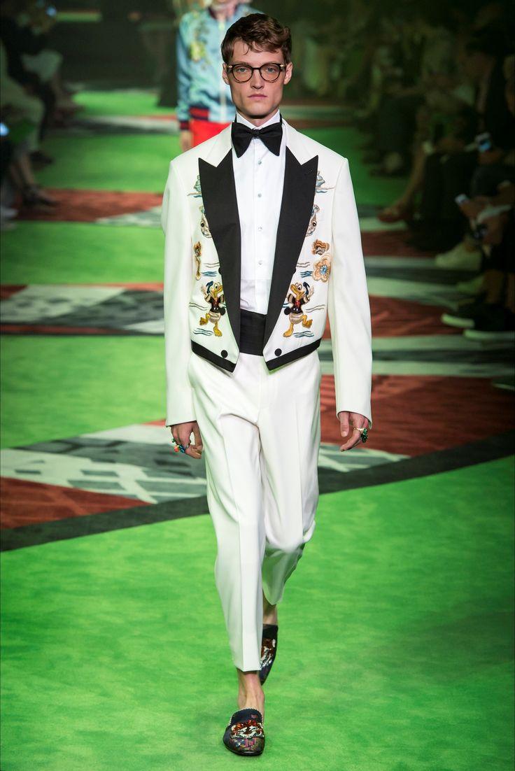 Sfilata Moda Uomo Gucci Milano - Primavera Estate 2017 - Vogue