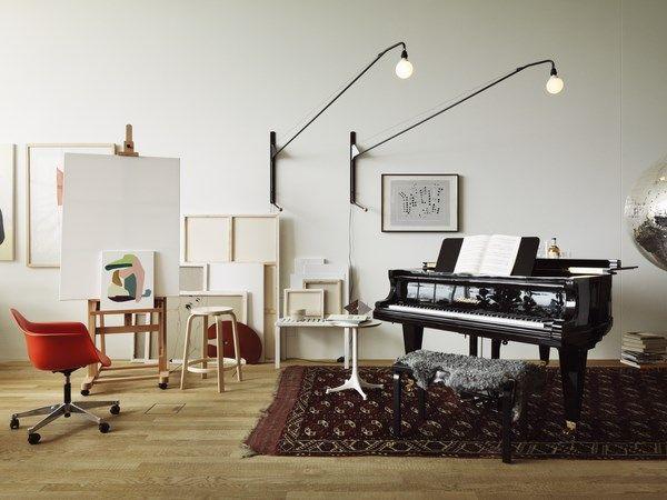 El loft de VitraHaus acoge la primera instalación conjunta de Vitra y Artek en Weil am Rhein, de la mano de Studioilse.