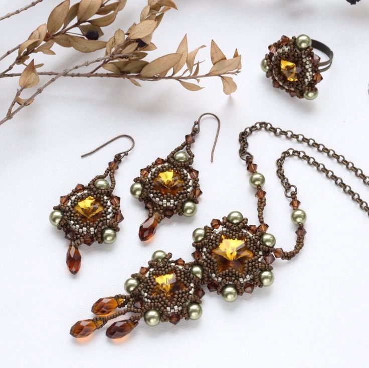 New beautiful photos for this jewelry set!