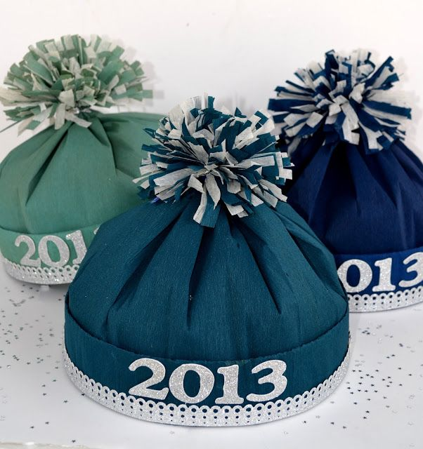 December 30, 2013 @ 5:30pm: Parties Hats, Crepes Paper, New Years Crafts, Hats Tutorials, 1930S Style, Paper Parties, Style Crepes, New Year'S Crafts, Spreads Joy