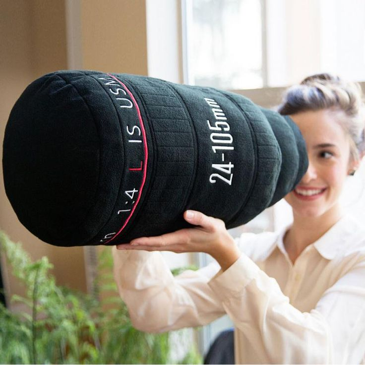 Plushtography Camera Lens Pillows / These Camera Lens Pillows from Plushtography are kind of like a blankie for shutterbugs.  http://thegadgetflow.com/portfolio/plushtography-camera-lens-pillows/