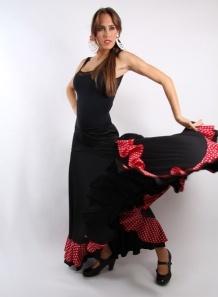 Falda ensayo con subida F-115 sra.  Falda ensayo baile flamenco, confeccionada en capa entera, en punto de seda y crespón,con pletina y subida lateral hasta la cadera.