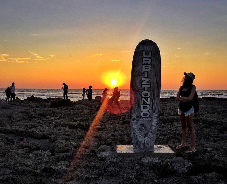 Последний вечер в Сан Хуане. #sanjuan #surfing #launion #philippines #sunset #nature #sky #adventure #trip #travel #traveling #travelgram #vacation #girl #путешествие #отпуск #филиппины by kos.vohrt