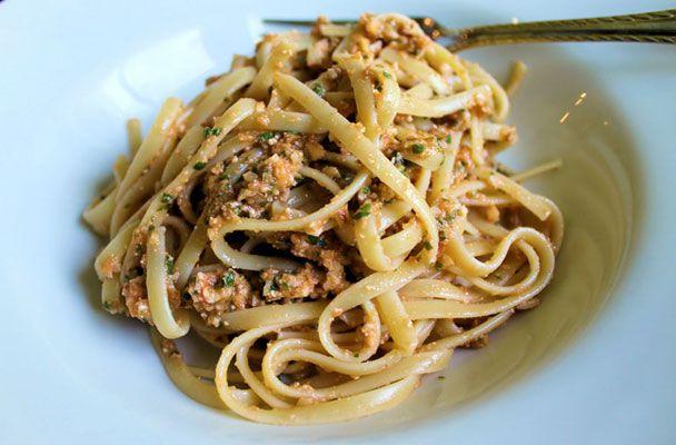 Linguine al pesto trapanese - Parliamo di Cucina