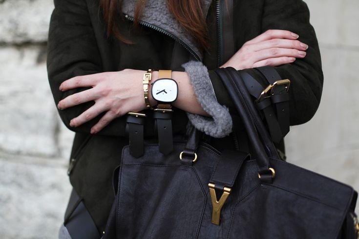 http://www.navadesign.com/it/orologio-da-polso-stone-42-mm-in-confezione-regalo-orologi-di-design-1024_prod