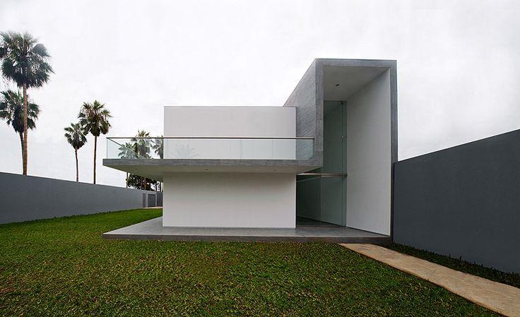 Casa minimalista en Lima - Javier Artadi