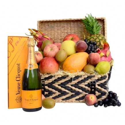 Festive Fruit Hamper with Wine or Champagne #gifthampershk #hongkong #champagne #veuvu #fruits #hampers #baskets #gift #corporate