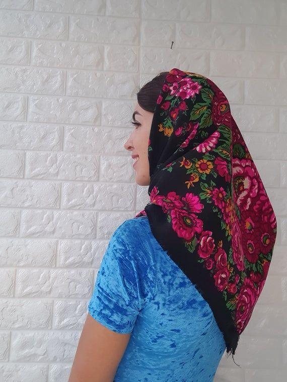 Vintage woolen shawl of USSR.A beautiful shawl.Flower shawl.Great Shawl,fashion shawl,vintage scarf,Ukrainian Scarf,floral print,beige scarf