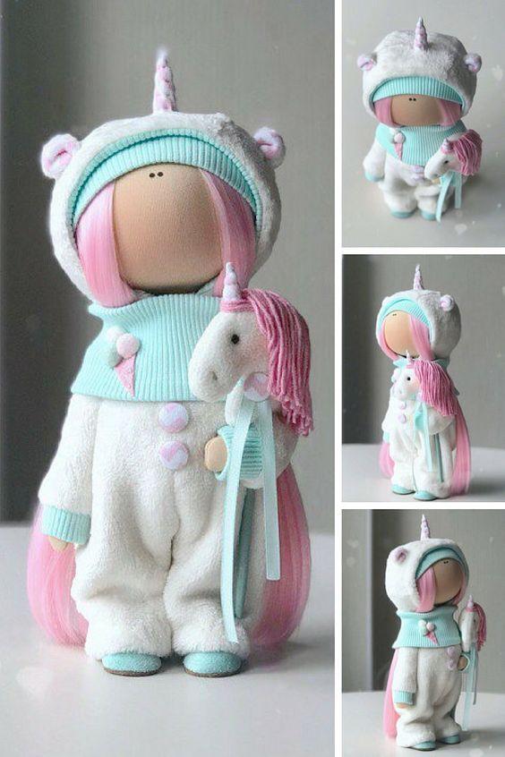 Einhorn Kunst Puppe handgefertigt Stoff Puppe Poupée Tilda Puppe Textil Stoff Puppe Bambole Stoff Puppe Muñecas grün Winter Dekor Puppe von Yulia K