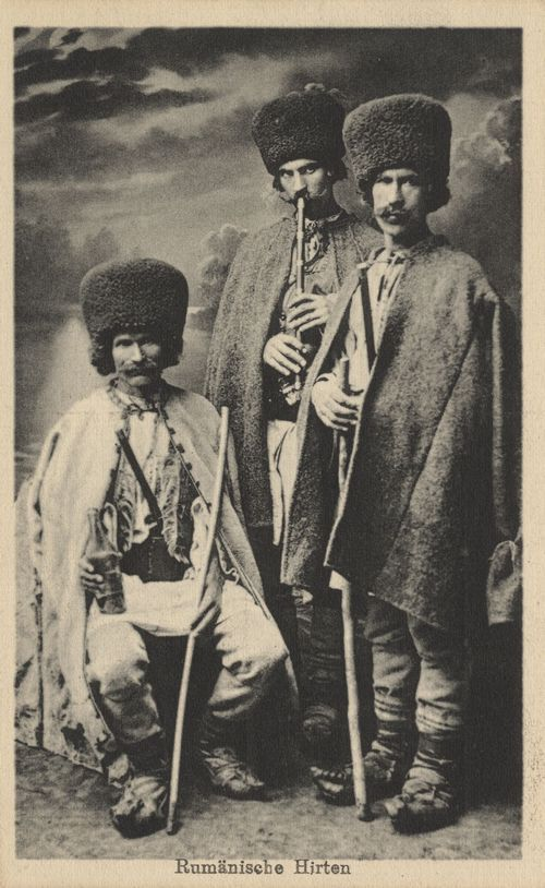 Shepherds, old postcart, Romania, cca 1900, Rumänische Hirten, Rumänien, Postkarte, ca. 1900