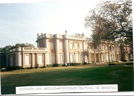"""Estancia """"San Jacinto"""" familia Unzué (1880) - Mercedes, Provincia de Buenos Aires, Argentina.                                                                                                                                                                                 Más"""