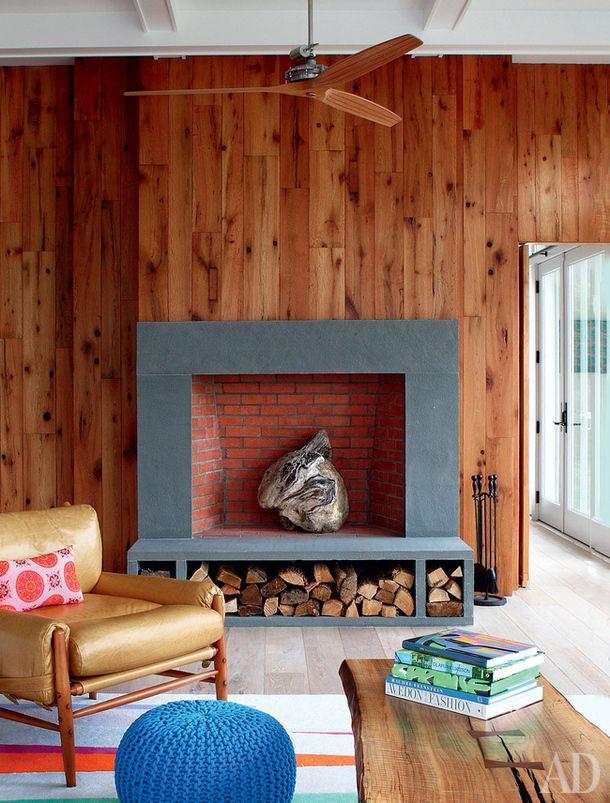 Как оформить камин в гостиной: 15 вариантов