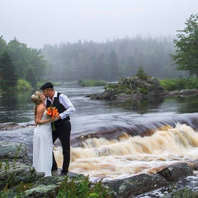 Liscombe's intimate surroundings are the perfect wedding location  #wedding #weddingdress #weddingday #weddingphotographer #weddinginspiration #weddingwednesday #weddingwednesdays #traveldeeper #ExploreCanada #VisitNovaScotia #canada #igers #instadaily #igtravel #travel #instatravel #easternshore #river #liscombelodge