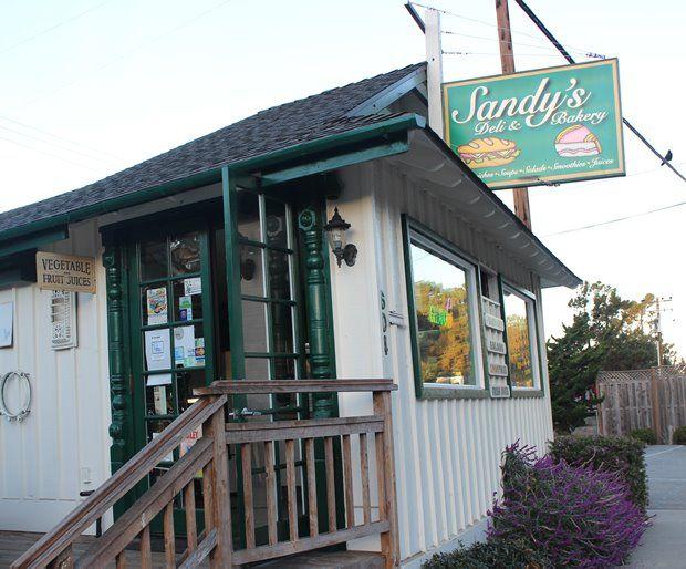 Spis morgenmaden på den lokale diner i Cambria - Rejsetip Californien
