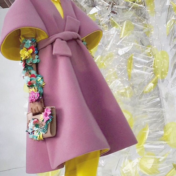 Pastels -- flowers -- leathers -- feathers    #kisterss #nyc #nyfw16 #officialdelpozo