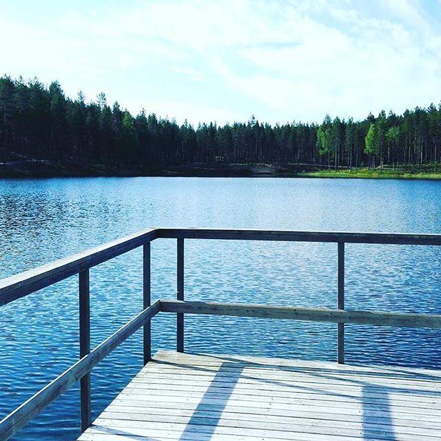 Vielä on kesää jäljellä ....#rokuahealthspa #rokua #visitrokua #kesä #summer #finnishnature #järvimaisema #lake #hiljaisuus #silence #visitoulu#visitfinland #ourfinland #finland #rokuageopark #geopark