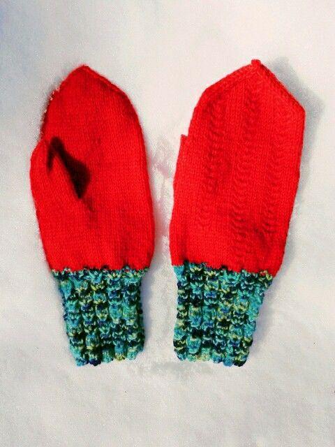Mittens with bright colours, Novita yarn Seitsemän veljestä