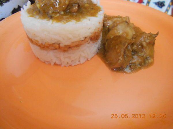 Rețetă Curry de pui cu seminte de in, nuca si lapte de cocos alaturi de orez basmati, de Danaszocs - Petitchef