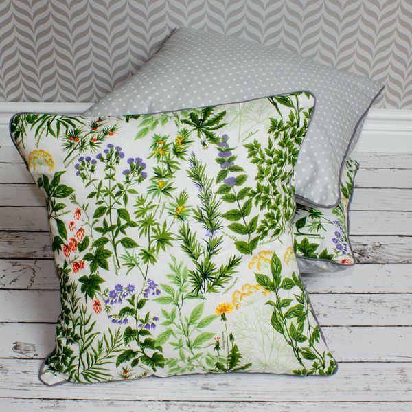 Komplet - trzy poduszki dekoracyjne - leśne runo. w Urocze Dodatki na DaWanda.com