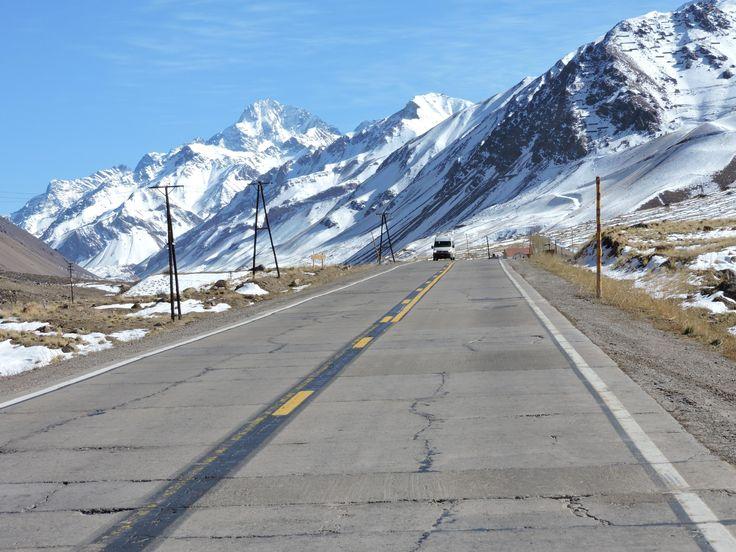 beautiful road (ruta 7 Argentina next to Aconcagua) [4608x3456]