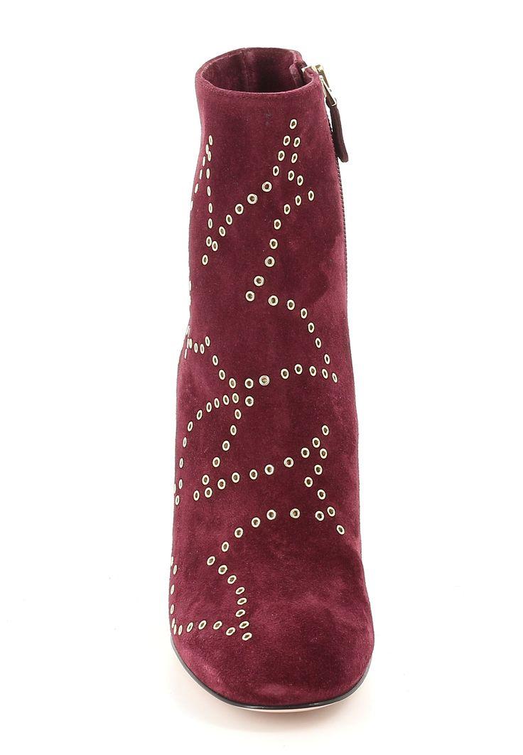 Онлайн магазин Elyts предлагает купить красные ботильоны VALENTINO RED по цене 45500 рублей. Бесплатная примерка перед покупкой. Звоните +7 (800) 200-1691. Артикул LQ2S0823S.