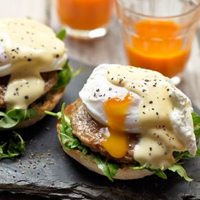 Try a twist on this delicious breakfast classic and find out how to make Eggs Benedict with Quorn Sausage Patties for a tasty start to the day.