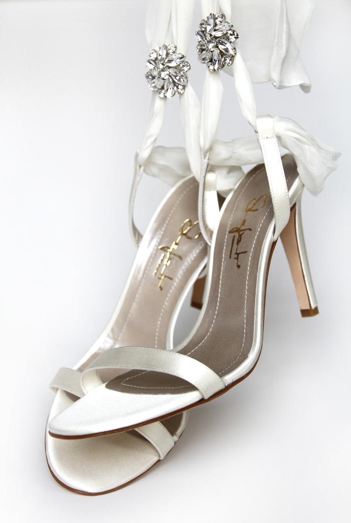 Shiny #shoes for shiny #brides. #wedding. Made with #Swarovski elements. ART. 521 ICE