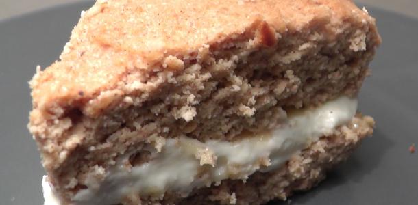 Low carb protein-æblekage med vaniljefyld