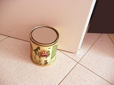 Barattoli riciclati come ferma porte! - Recycled jars as door stops!