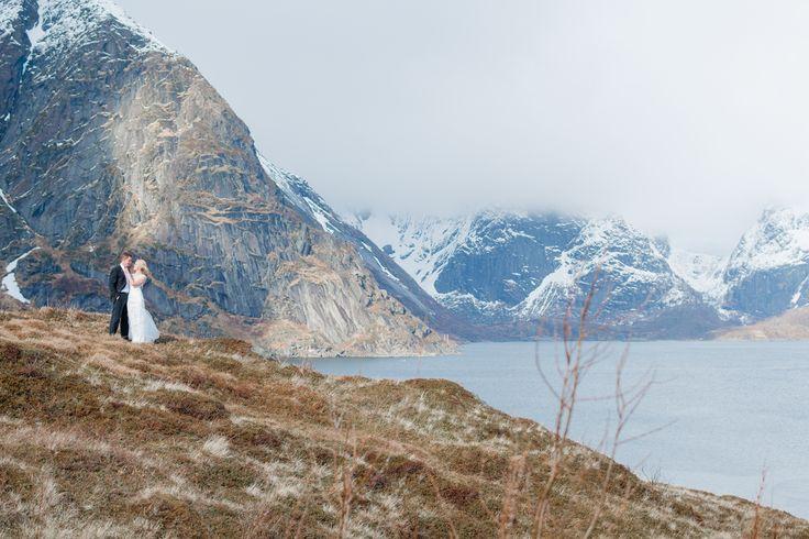 Weddingphotography in Reine, Norway.