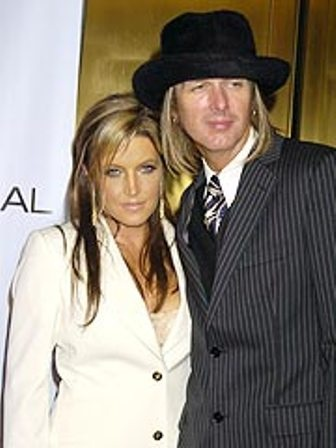 On January 22, 2006, Lisa Marie married for the fourth time, this time to guitarist, producer and director Michael Lockwood.